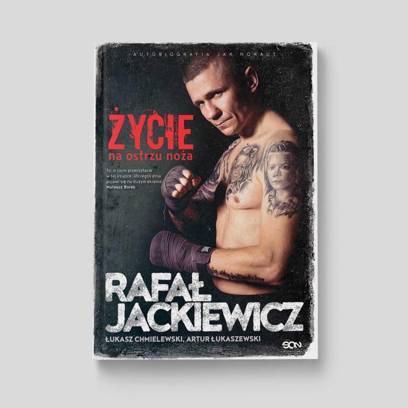 Okładka książki Rafał Jackiewicz. Życie na ostrzu noża w SQN Store front