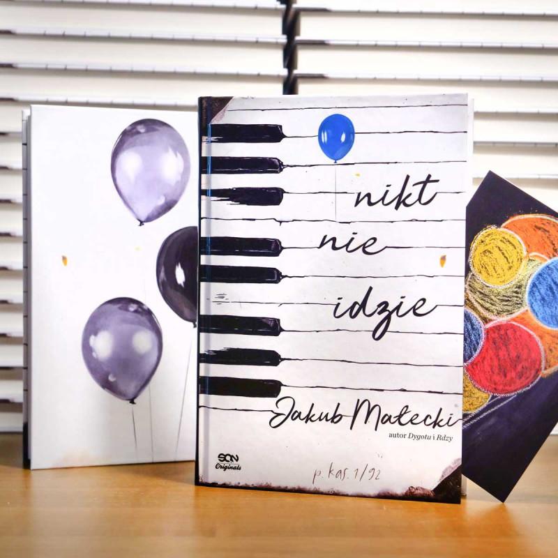 Okładka książki Nikt nie idzie z serii SQN Originals, Jakuba Małeckiego w SQN Store