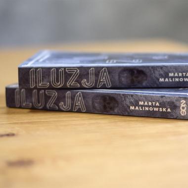 Okładka książki Iluzja w SQN Store front