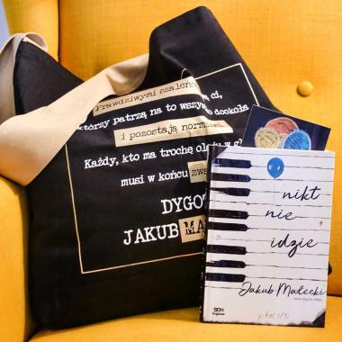 Zdjęcie pakietu Bookbox: Nikt nie idzie Originals w SQN Store